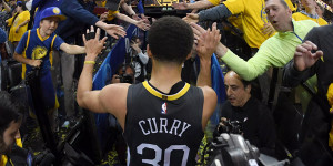 Stephen Curry Offers His Gratitude With The Thank You, Oakland